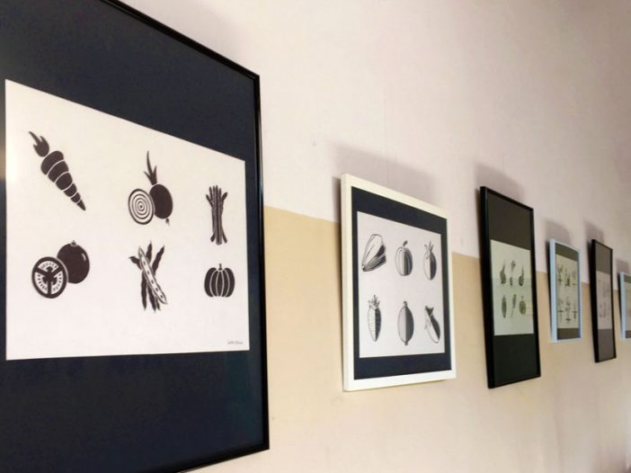 Exposición de Pictogramas para bancales de huerto colaborativo Piparrika en el Espacio Alternativo CA
