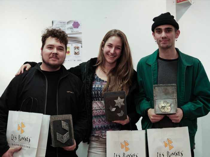 Trofeos realizados por el alumnado de Técnicas Escultóricas para la Asociación de Libreros de Navarra